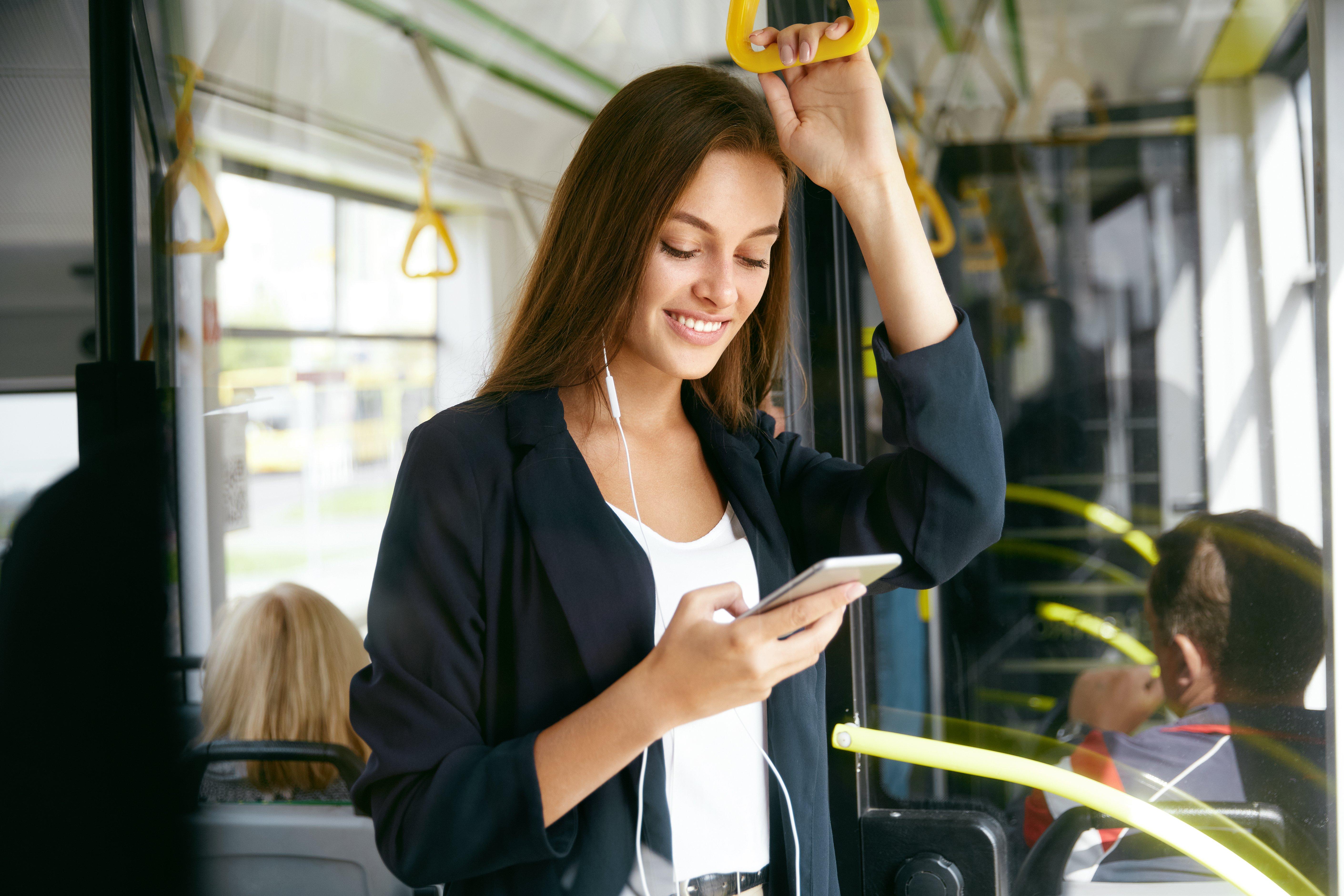 audio programmatique bus écouteurs téléphone mobile casque