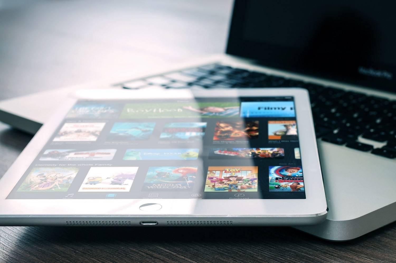 Synergie entre vidéos en ligne et la TV : communiquez différemment, communiquez efficacement